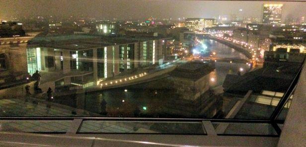 Night view of Paul-Löbel-Haus