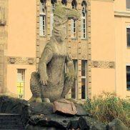 Zoo statue