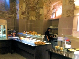 Café in the Crypt