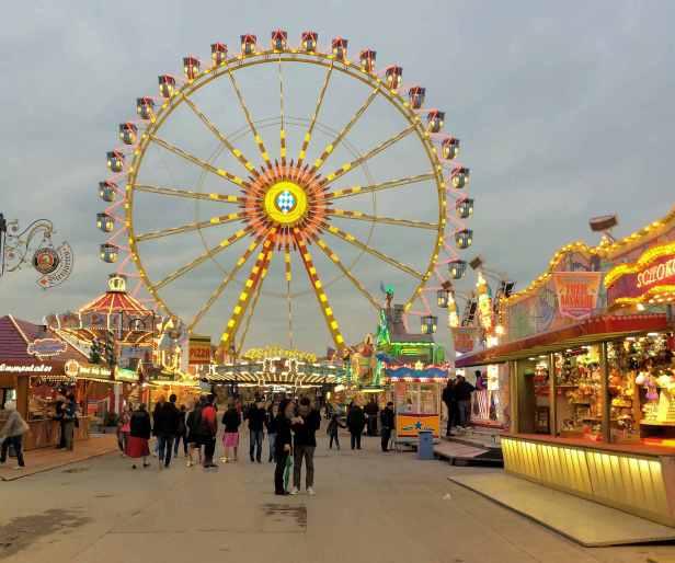 Frülingsfest ferris wheel